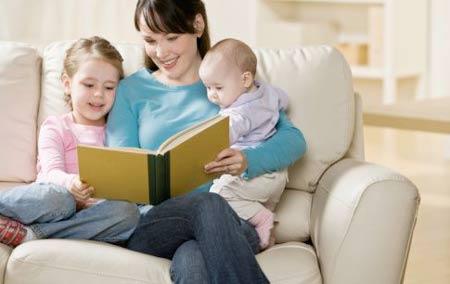 Infographic: Những lợi ích bất ngờ từ việc đọc sách cho con